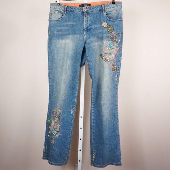 Venezia Denim - Venezia Jeans Light Wash Embroidered Distressed